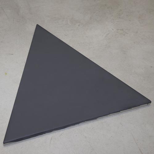 SAM Piso Triangle Graphite